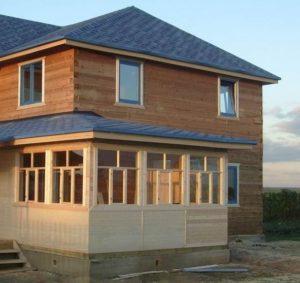 Строительство каркасных домов с верандой