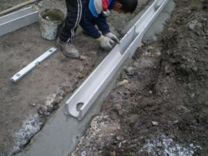 Бетонные лотки для ливневой канализации 5