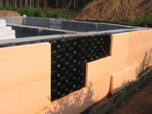 Как провести гидроизоляцию стен фундамента дома