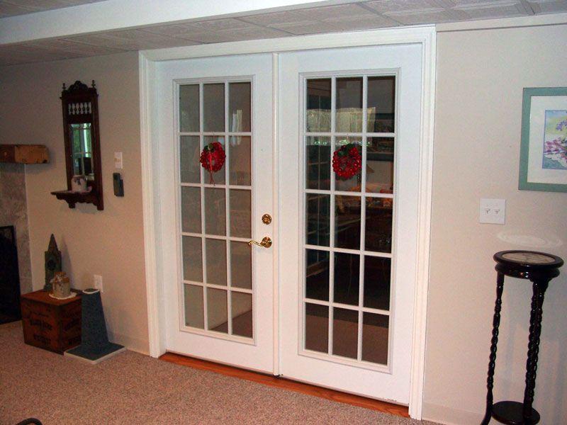 Как установить двухстворчатые двери своими руками