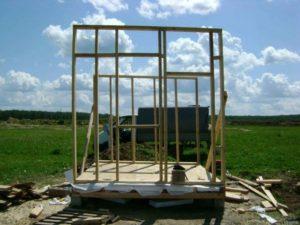 Начинать строительство нужно с фундамента
