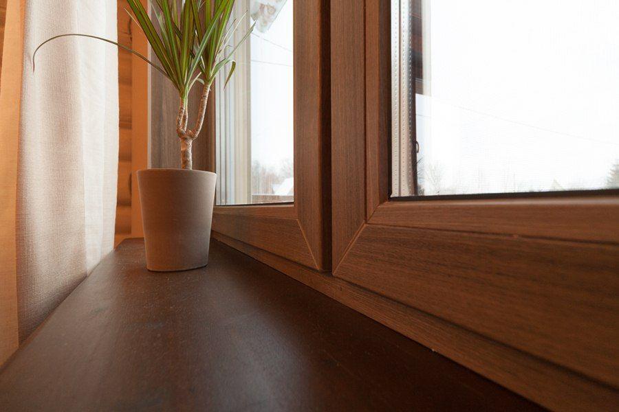 Металлопластиковые окна коричневого цвета