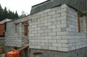 Основные этапы возведения стен пристройки из пеноблоков