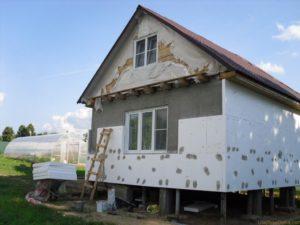 Рекомендации по оштукатуриванию каркасного дома