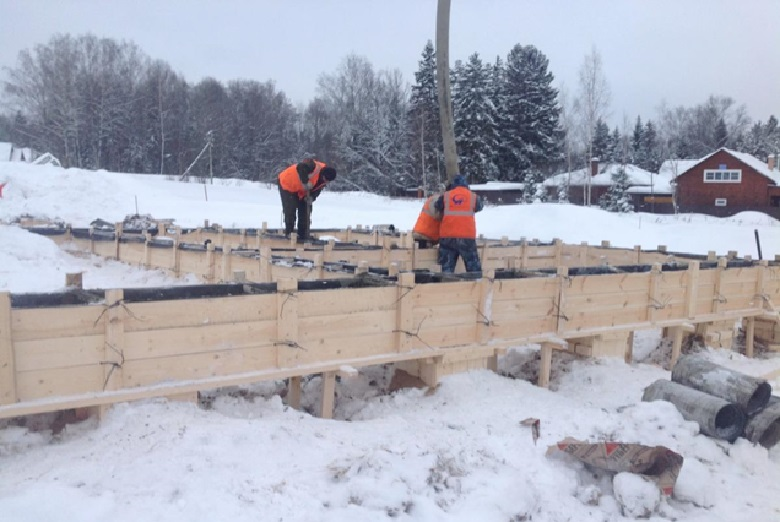 Что добавляют в бетон при морозе. Как бетонировать в мороз: применение нагревательного кабеля, противоморозных добавок и сооружение шахт