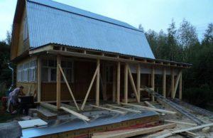 Монтаж крыши каркасной террасы