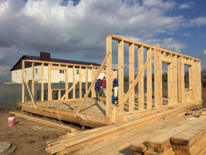 Типы современных каркасных домов - начало строительства