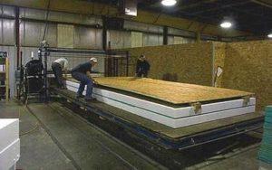 Производство стеновой панели каркасно-щитового дома на предприятии